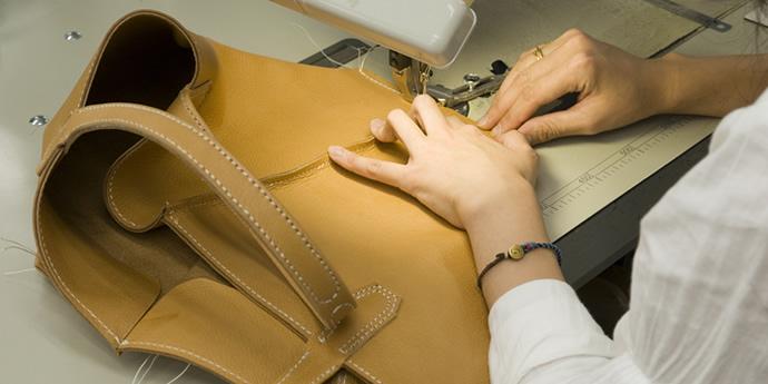 革の基礎知識コラム『革製品の見方 - 鞄を知る』を公開しました。
