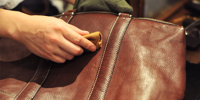 革製品のお手入れコラム -『ヌメ革鞄のいたわりかた』を公開しました。