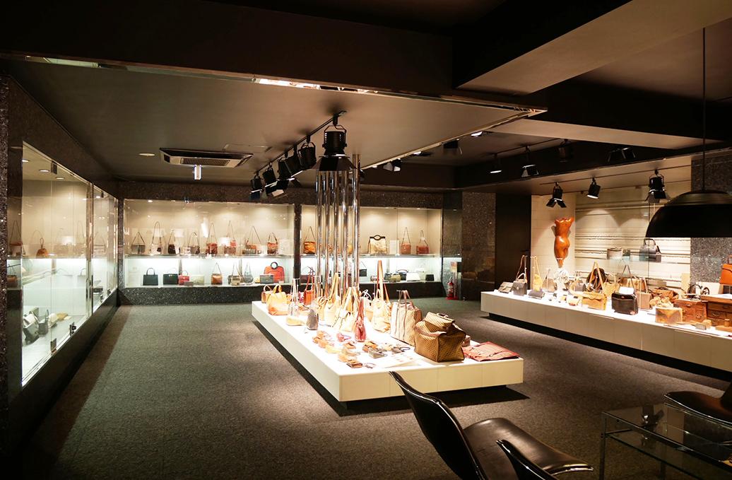 革鞄・ハンドバッグ特集 <br>「袋物参考館 PRINCESS GALLERY」(株式会社プリンセストラヤ) <br>-世界のバッグ・袋物の歴史を伝える企業ミュージアム-<前編>を公開しました。